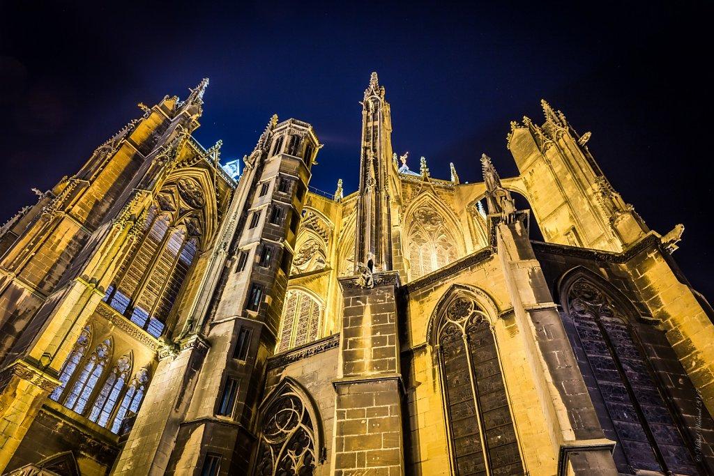 06-La-Cathedrale-Saint-Etienne-vue-de-la-place-dArmes-Contre-plongee-MG-0494-HDR-2.jpg